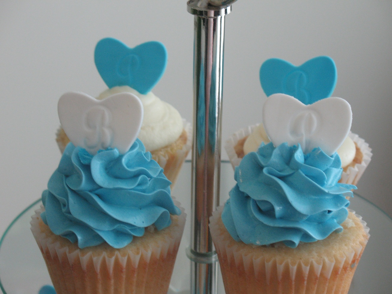 Bev39;s Bridal Shower Cupcakes